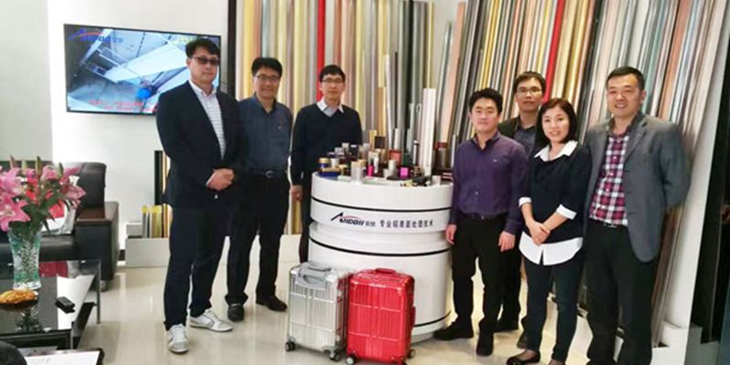 Korean customers to visit the company to visit the exchange of smoke-free environmental technology